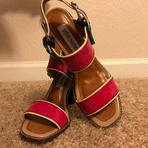 💚NWOT💚 Steve Madden Color Blocked Sandal
